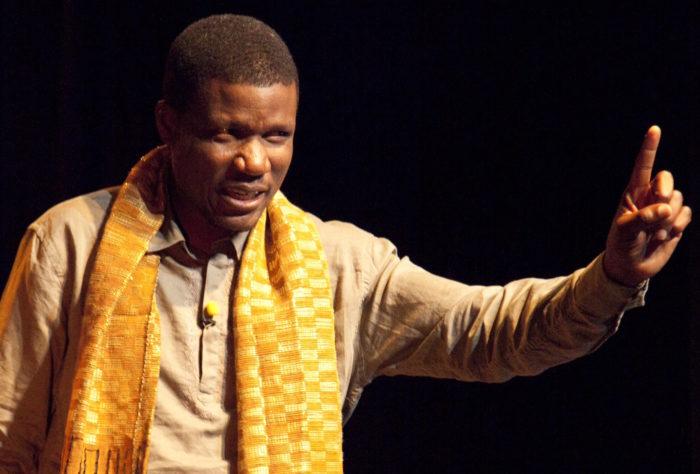 Adama Adépojou – Taxi-conteur